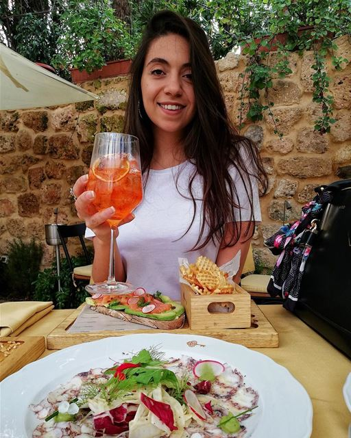 Hope you all had an awesome weekend 💕 .. Lebanoneats  aperolspritz ... (Ritage by Maroun Chedid)