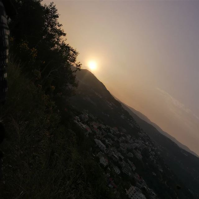 🌻The best time for new beginning is NOW🌻 sunset  sunrise  sun ... (Chouf)