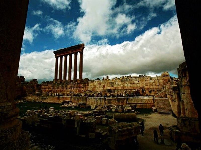 The iconic glory sculpted in stone.📍Baalbeck, Lebanon..━ ━ ━ ━ ━ ━ ━ ━ (Baalbek, Lebanon)