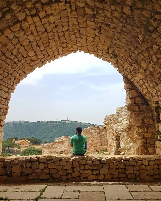 All experience is an arch, to build upon.From @livelovetours @livelovebeir (Smar Jubayl, Liban-Nord, Lebanon)