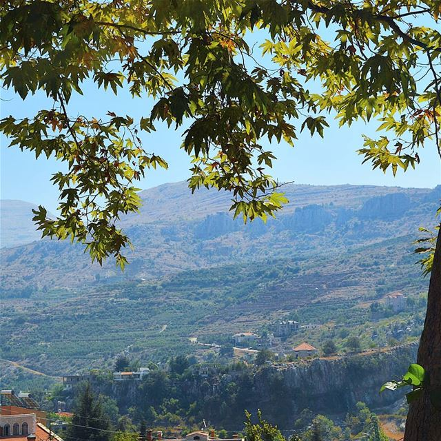 Good day to all🇱🇧🇱🇧❤❤ mountains  mountainsoflebanon  view ... (Lebanon)
