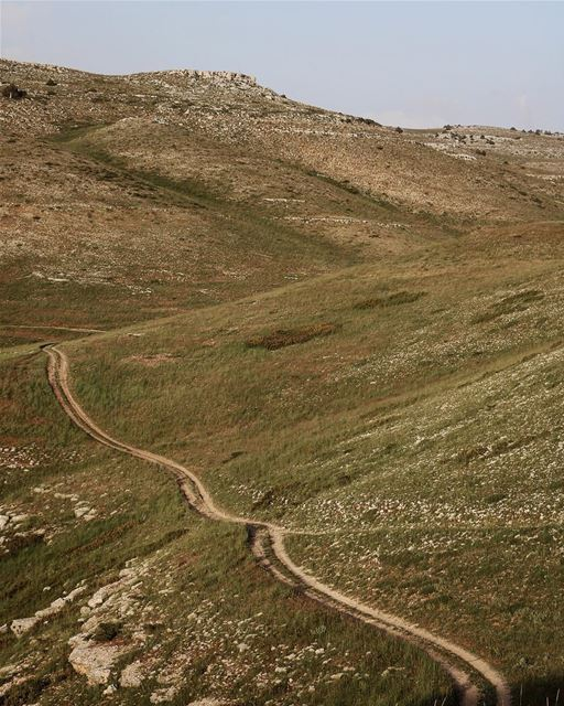 Tough summit roads ⛰ @thewindland (Akoura, Mont-Liban, Lebanon)