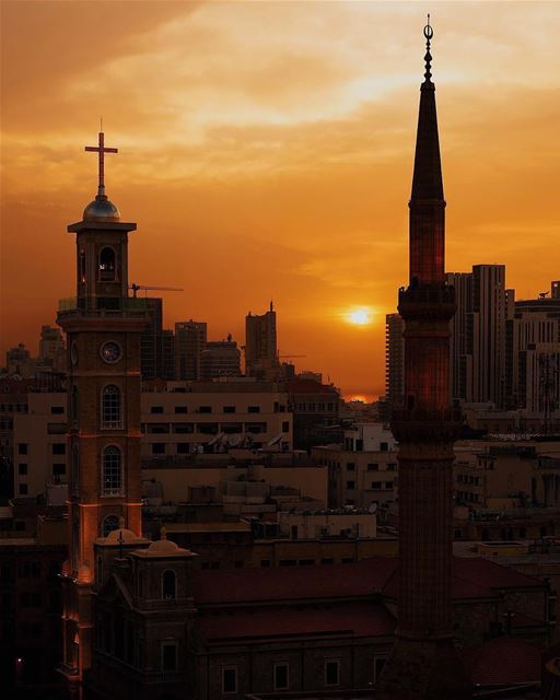 Blissful endings for chaotic days.🕌⛪️By @mikeroscopik  RamadanInBeirut ... (Downtown Beirut)