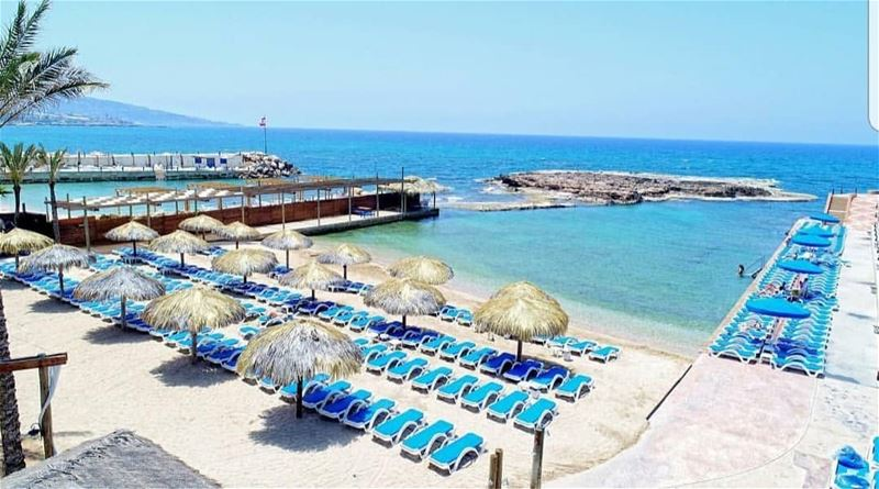 batroun  resorts  sanstephano  beach  sea  mediterraneansea  batrounbeach... (San Stephano Resort - Batroun)