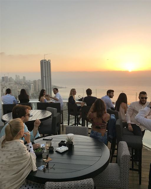 Echanted evening @fsbeirut  aboutlastnight 💫.... sunset  terrace ... (Four Seasons Hotel Beirut)