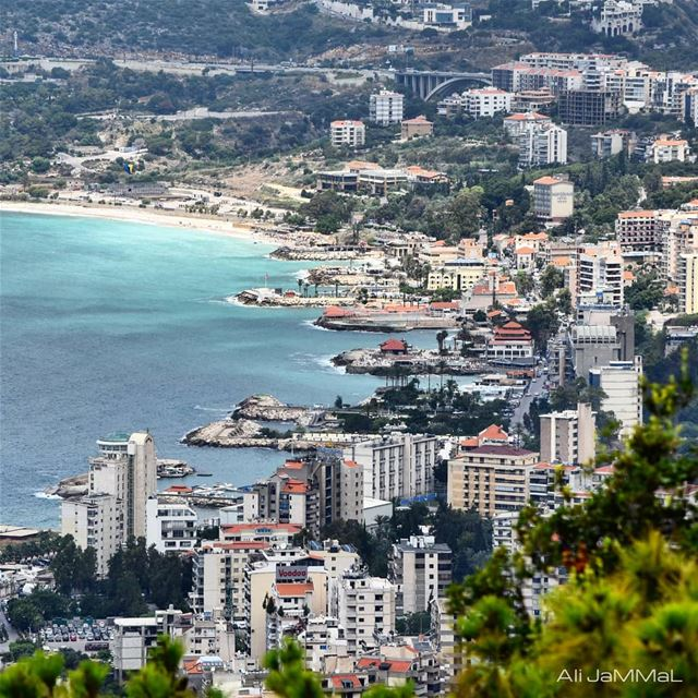 HAPPINESS COMES IN SALTY WATER  beach  jounieh  byme  sea  boat ... (Joünié)