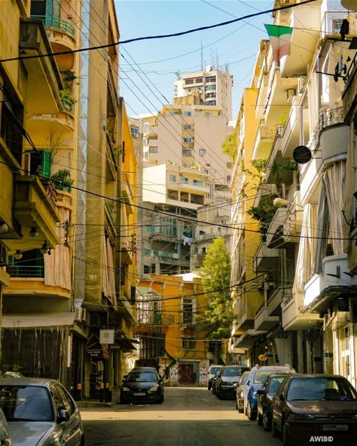 Beirut neighbourhoods ❤ neighborhood  neighbor  old  buildings  house ... (Mar Mikhael-Armenia The Street)