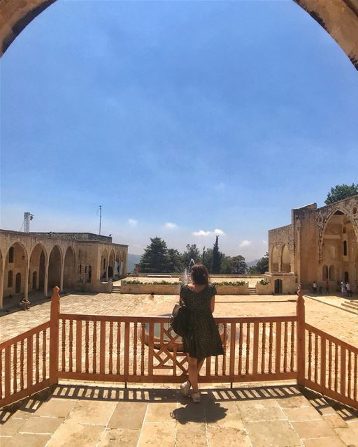 Welcome to my palace ............... beiteddine  palace ... (Beiteddine Palace)