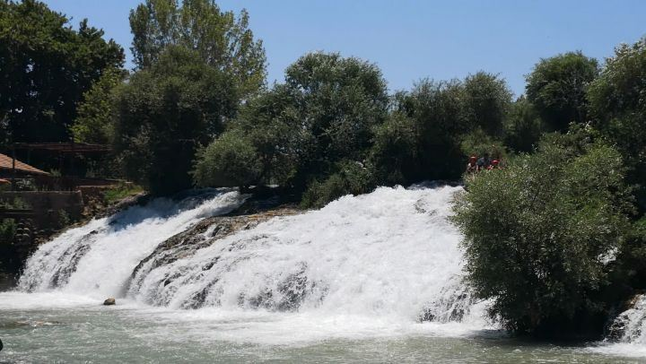 rafting  lebanon  bekaa  assiriver get your  adrenaline rush... ...
