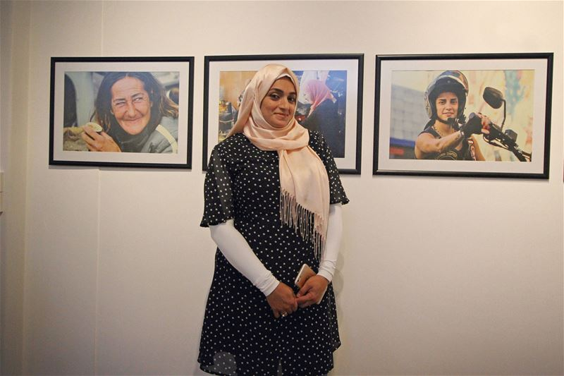 Me and the exhibition thanks @hhajaig  daralmussawir  thomsonfoundation ... (Hamra - حمراء)