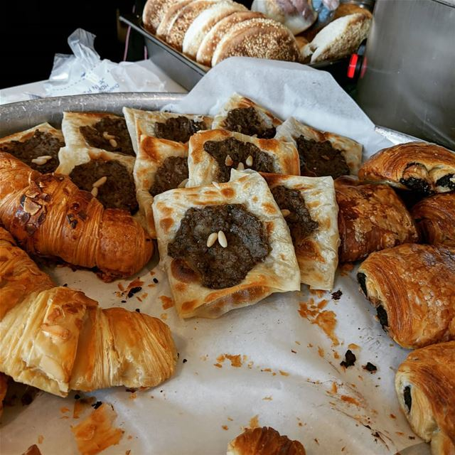 breakfast  croissant   lahmbaajeen  meatpie   yummy  fresh  delicious ... (جونية - معاملتين)