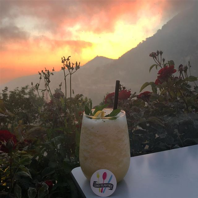 Enjoying this amazing view with this perfect lemonade 😋😍 @mist_hotelehden (MIST Hotel & Spa)