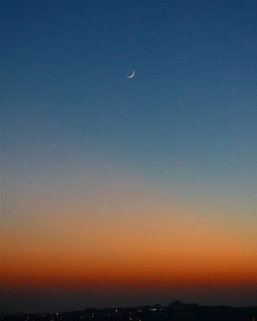 When the last Sun Rays open the gates of space to the moon and Night,... (Habboûch, Beyrouth, Lebanon)