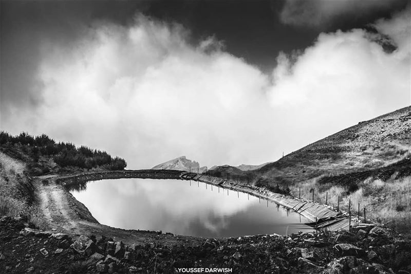 lake  photography  bw  blackandwhite  lebanon  love  hiking  sport  cloud... (Bekaa Kafra)