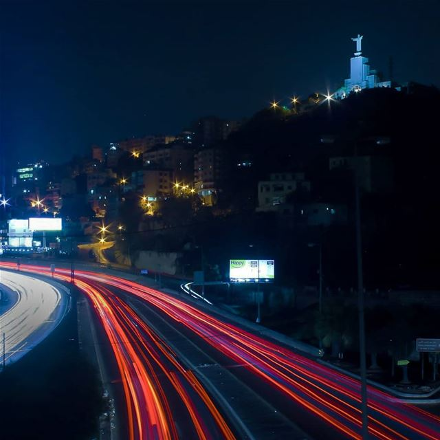 lebanon  night  nightphotography  longexpo_addiction  lightsofthecity ... (يسوع الملك)