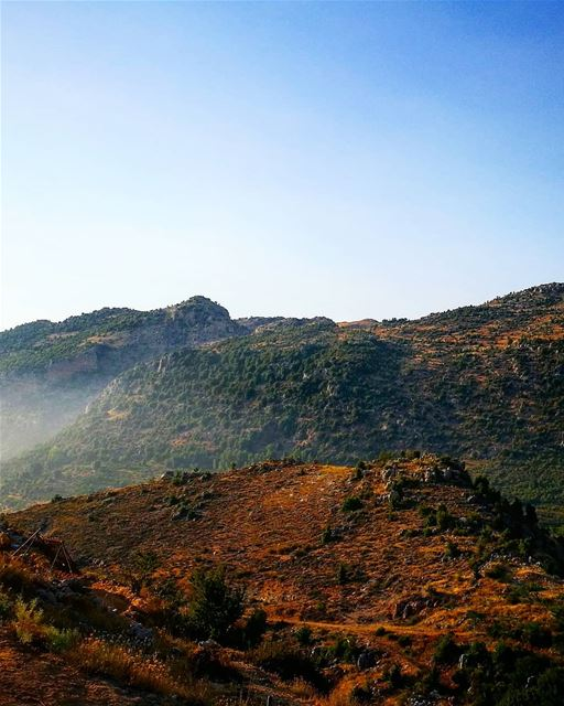 therapy 💜 roadtrip  tannourine  mountains  sky  livelovelebanon ... (Tannurin Al Fawqa, Liban-Nord, Lebanon)