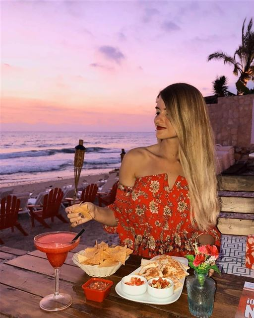 The heart wants what it wants 😋🌮🌅