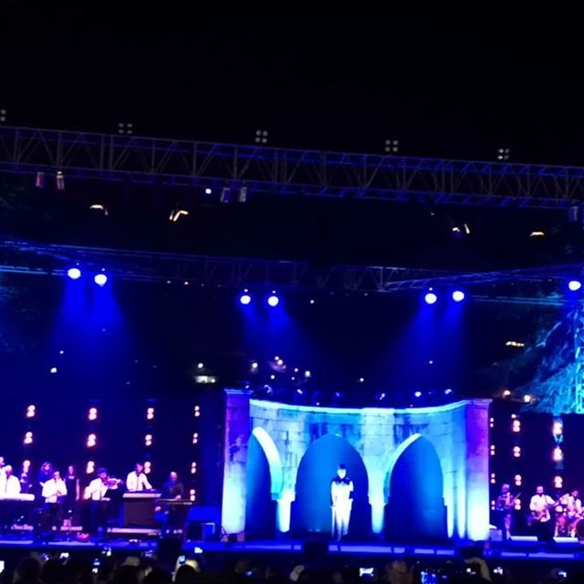Happening now  ghostafestival superstar  raghebalama  singer  celebreties ... (Ghosta, Mont-Liban, Lebanon)