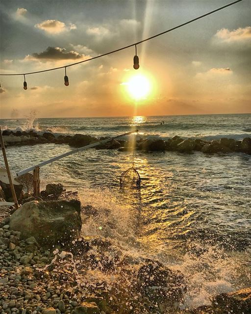 sunset  waves  sea  light  clouds  sky  photooftheday  instadaily  nature... (Isla - pebble bar)