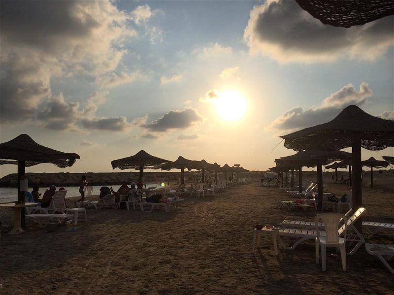 6 p.m.   tyre  lebanon  summer  holidays  relax  outofoffice  vacanze ... (Rest House Tyr Hotel & Resort)