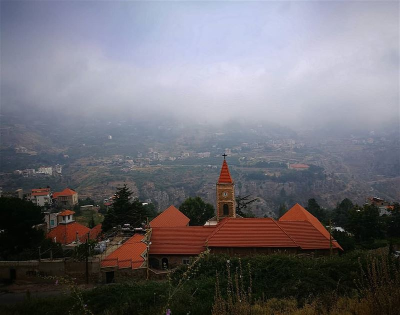 helloseptember 🍁 bcharre  northlebanon  withmyphone  mountains  church ... (Bcharreh, Liban-Nord, Lebanon)