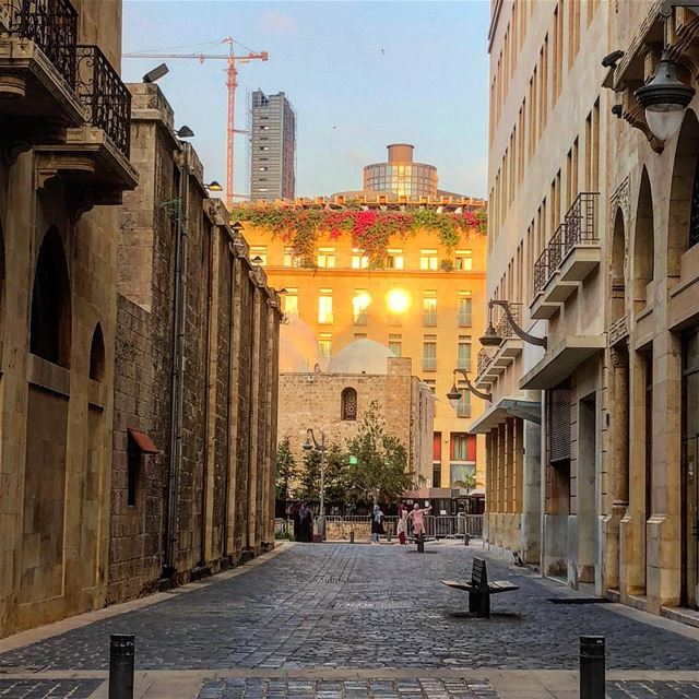 Illuminée:::::::::::::::::::::::::::::::::::::::: sunset  city  street ... (Downtown Beirut)