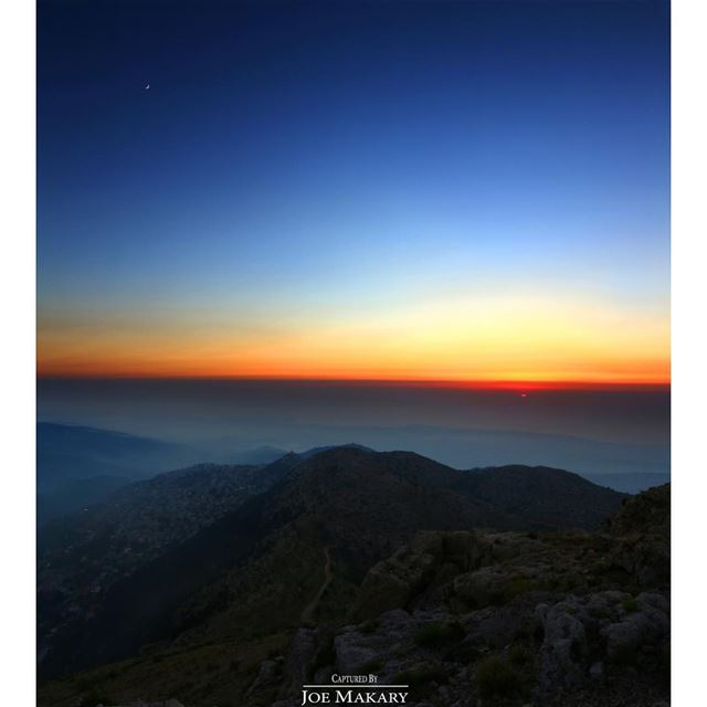 it's not just a sunset it's a moonrise too..Panorama of 9 pics ehden ...