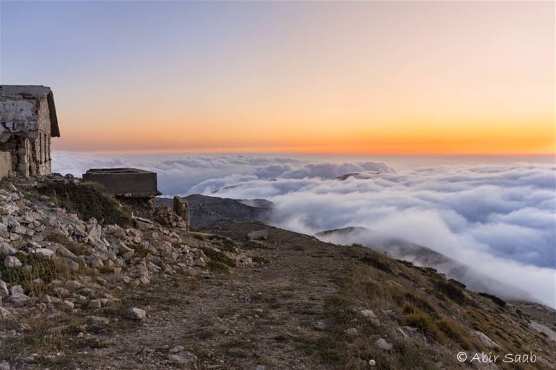 A not to be missed sunset sight from over the clouds at Channel 11 ruins .... (Kfarselwan)