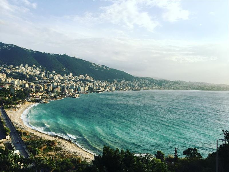 View from Casino du Liban overlooking the bay of  Jounieh 🌊 ⠀⠀⠀⠀⠀⠀⠀⠀⠀⠀⠀⠀⠀⠀ (Kasrouane)