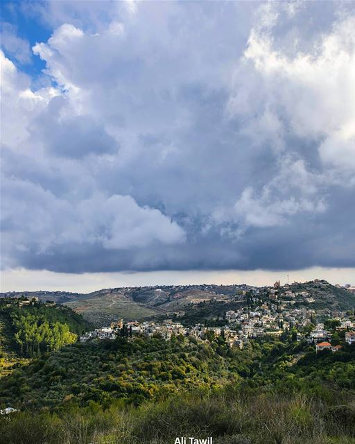 My beautiful village under the clouds ☁️☁️--- landscape  nature ... (Khirbet Selm)