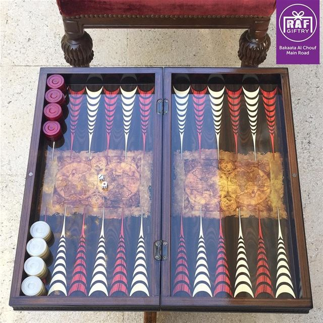 Whom of your friends first come to mind when you see a Backgammon? 🎲🎲... (Raf Giftry)