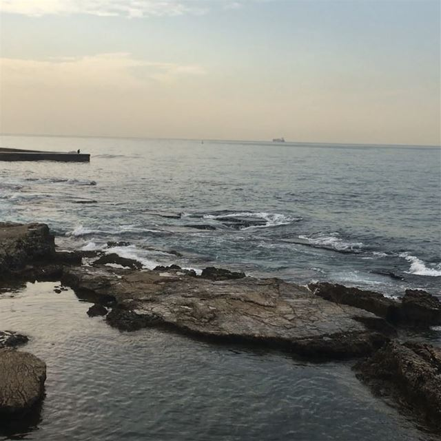 beirut raoucheh  sea mediterranean  waves fall nature horizon... (بيروت كورنيش عين المريسة)