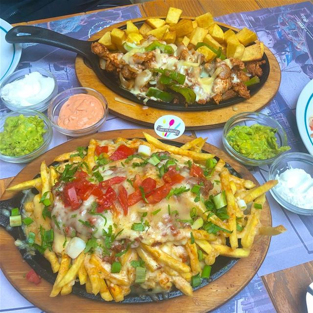 Fajita & nachos😍😋😋 two tasty items @khanjbeil So recommended 👌👌 ... (Khan جبيل)