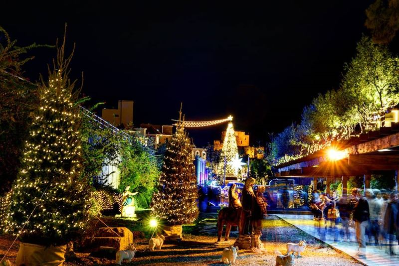 livelovelebanon  livelovebyblos  christmas  christmastree  sebachamoun ...