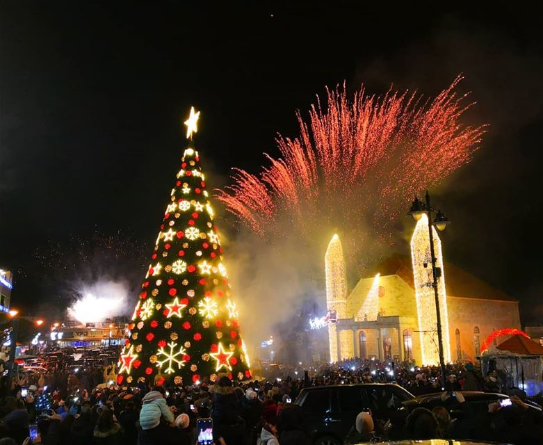 lebanon dhourchoueir church night fireworks churchflow holyspirit... (Dhour choueir)