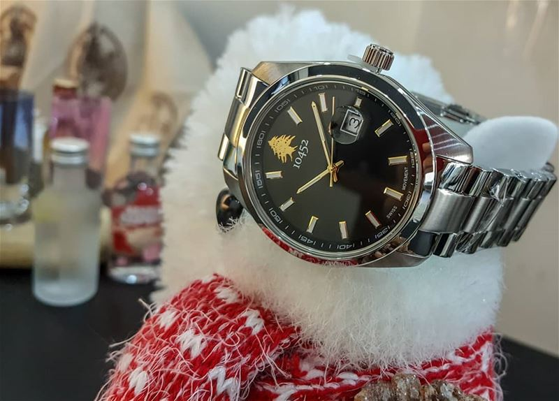 party  essentials this  festiveseason  10452dna  classic  watch  Lebanon... (Beirut, Lebanon)