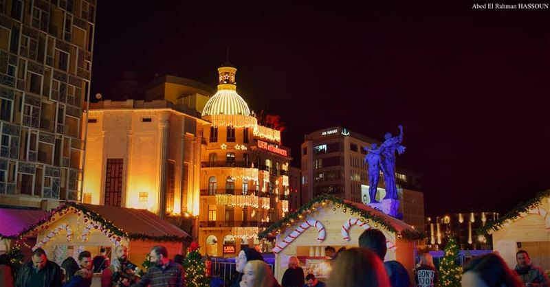 Beirut's Christmas ambiance is FANTASTIC........... christmas... (Martyrs' Square, Beirut)