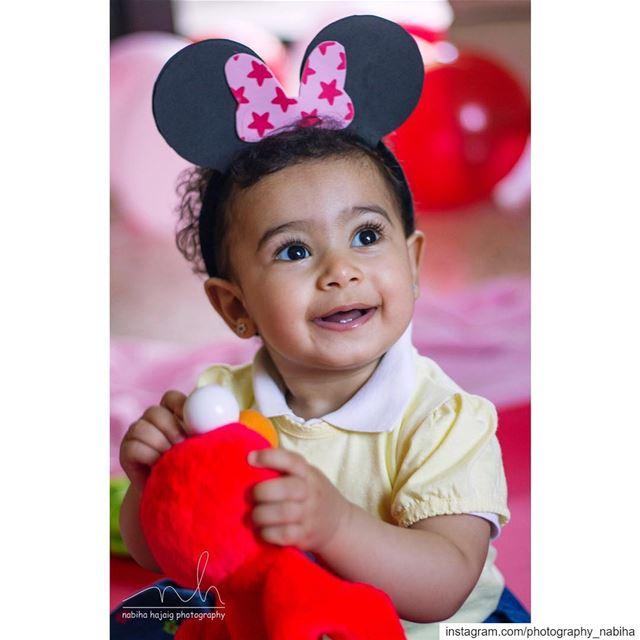 Zahraa  minimouse  mickymouse  portrait  portraitphotography  happy  elmo ...