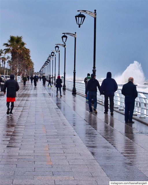 Whether it's rainy, windy or wavy,The  Beirut Corniche is never empty 😍💙 (Beirut, Lebanon)