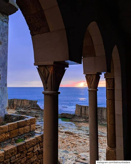batroun  البترون_سفرة  sunset  phoenician  wall  sea  mediterraneansea ... (Batroûn)