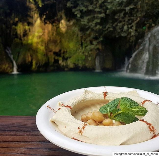 For the love of hummus 😀... lebanesefood  lunchwithaview ...