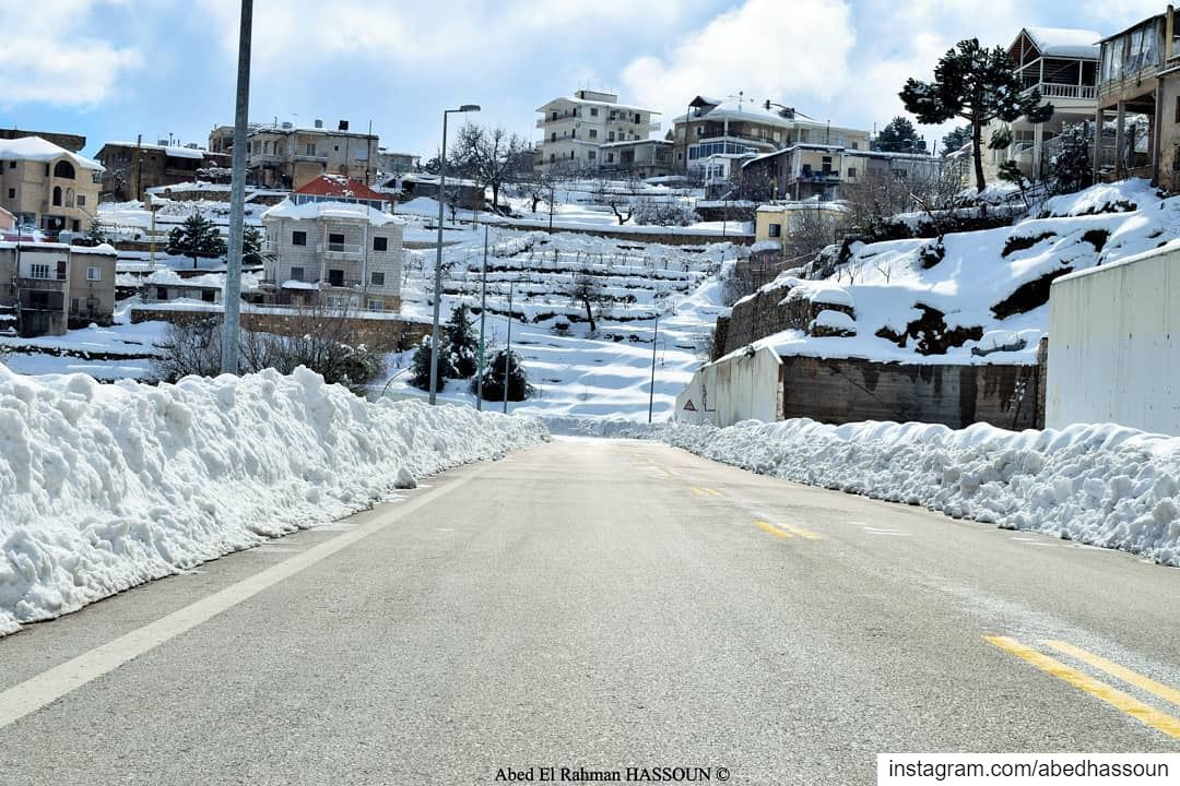 I hope you are enjoying this sunny weekend in our beloved country ❄❄❄..... (Bcharré, Liban-Nord, Lebanon)