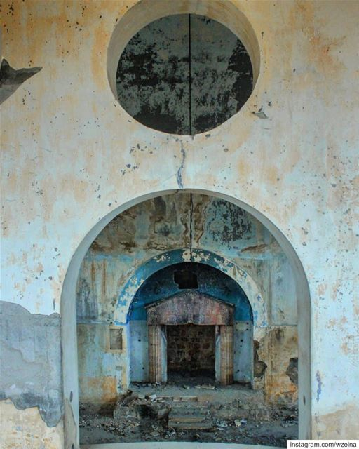 The abandoned Synagogue in Bhamdoun !... lebanon ... (Bhamdoûn, Mont-Liban, Lebanon)