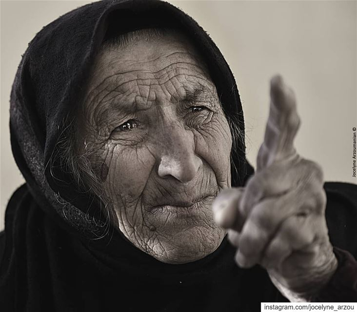 Listen to what she says in her eyes... old  woman  eyes  spokenword  hand... (South Governorate)