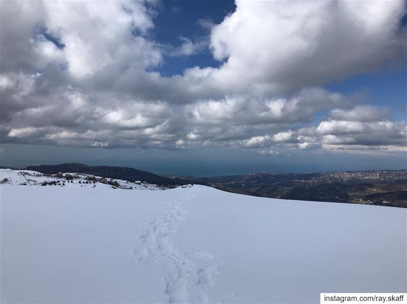 Snowshoeing with a sea-view‼️ .... .................. (View Point)
