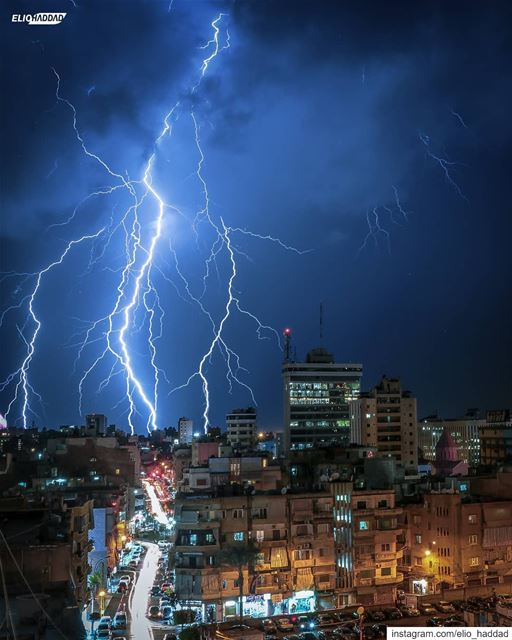 Who's ready for the thunderstorms tonight !? 👀🌩️  tb  lebanon 🇱🇧 ... (Bourj Hamoud)
