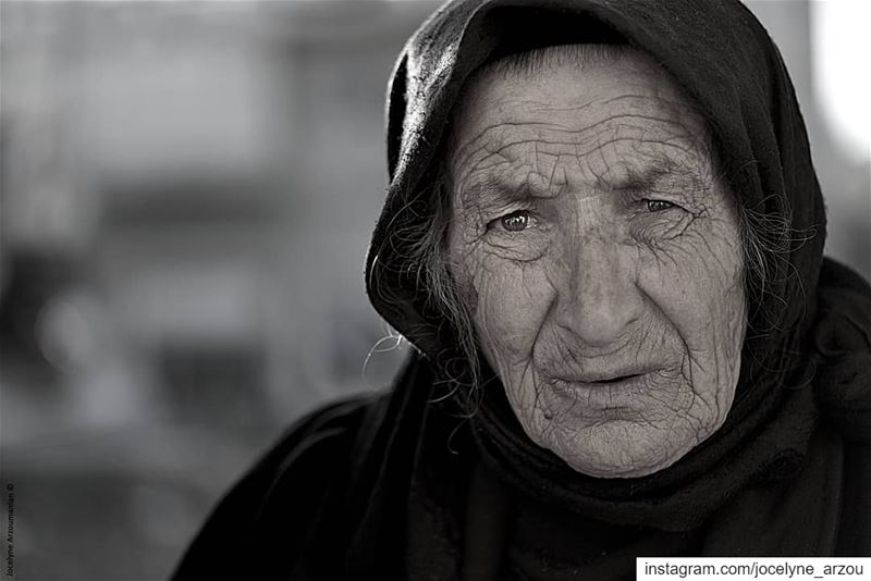 When you photograph a face you photograph the soul behind it... old  lady... (Aïtaroun, Al Janub, Lebanon)