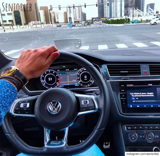 New Tiguan interior very close to the GTI ———————————————————————— @seniorl (Dubai, United Arab Emirates)