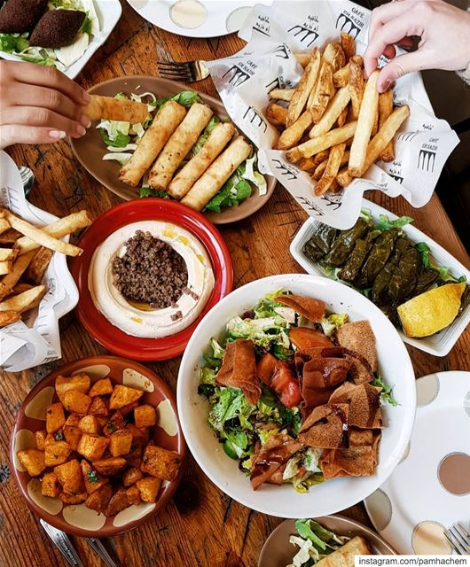 How GOOD is  Lebanese food? 🇱🇧Have you ever tried it?.... (Beirut, Lebanon)