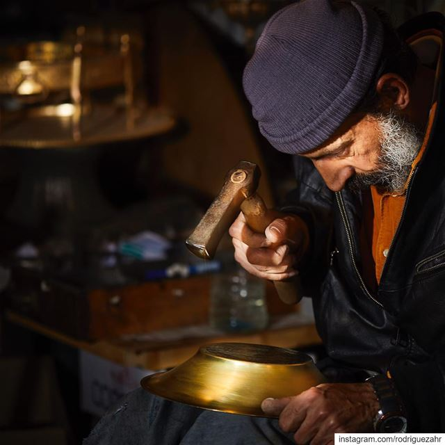 While we live racing the hour and time,  arabesque  Craftsmen work with...